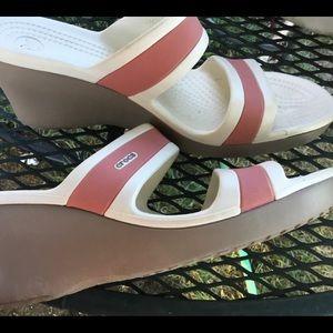 Crocs high wedge pink n white sandals